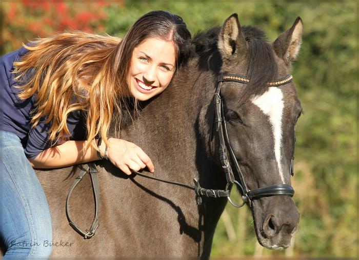 Ein sonniger Nachmittag auf der Pferdekoppel…